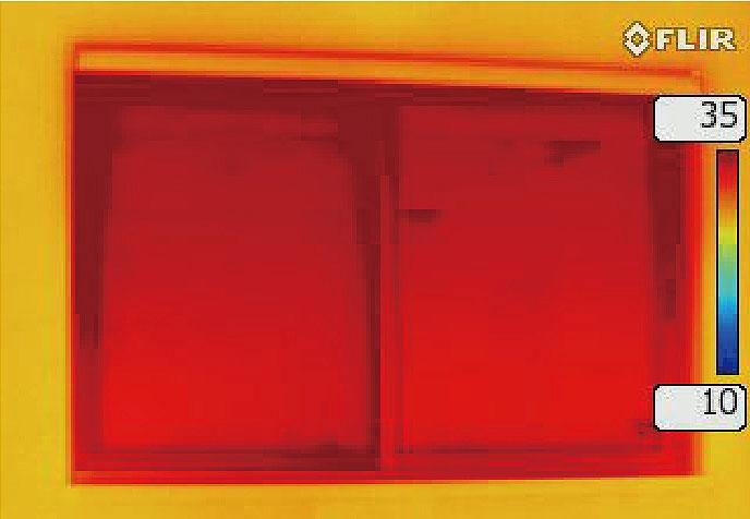 ハニカム構造・断熱ブラインド設置前のサーモ画像(夏)